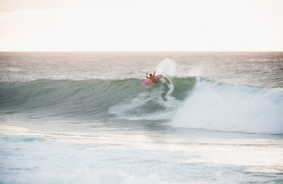 TIPS TO LEARN TO SURF LIKE A PRO THIS NEW YEAR IN TAMARINDO, COSTA RICA