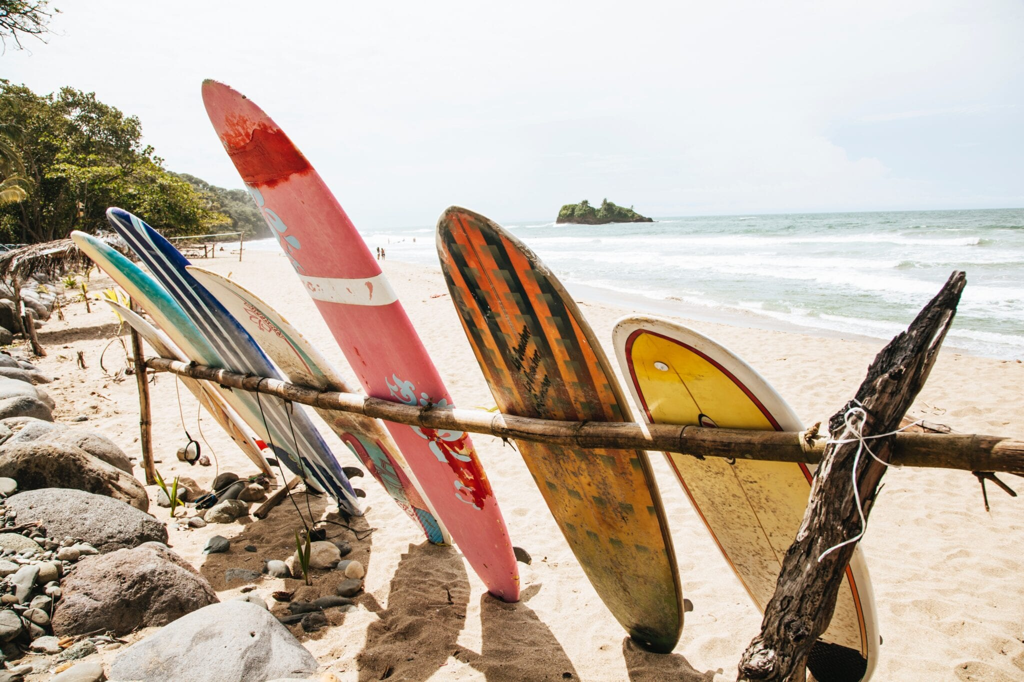 costa rica surf towns