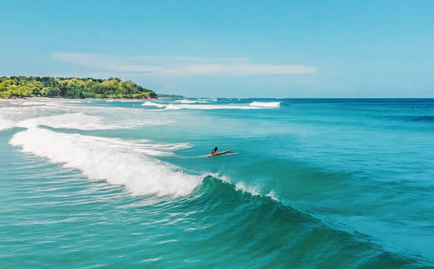 tamarindo surfing