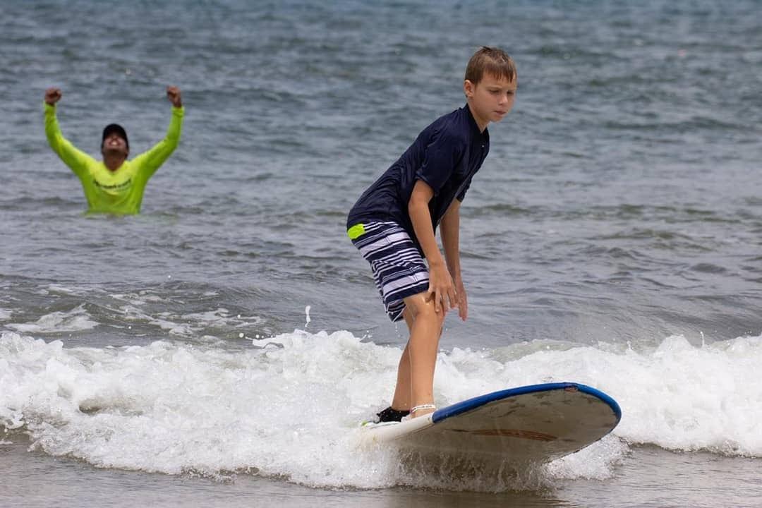 costa rica surf school